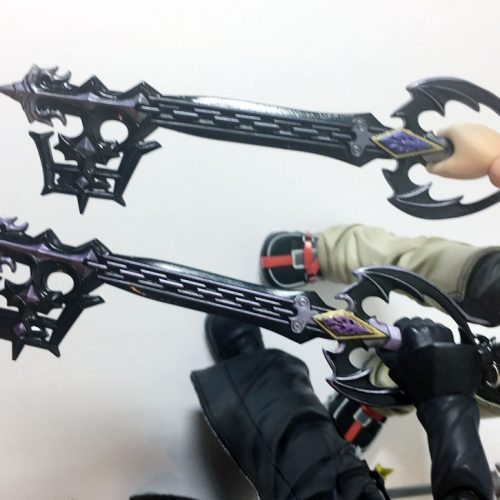 Oblivion comparisons: This picture is a little blurry but the new purple is much better